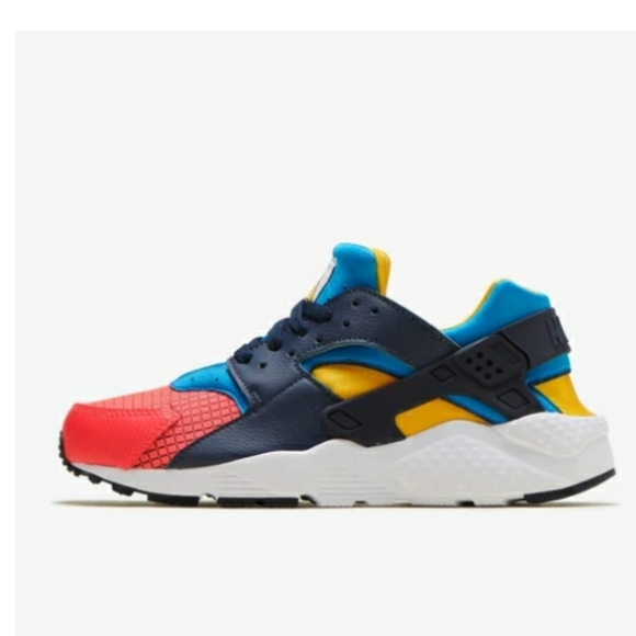 Nike Shoes | Unisex Huarache Run Now